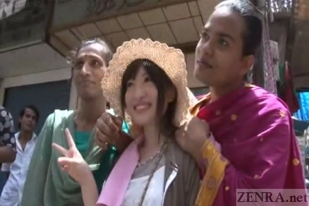 Japanese AV star poses with Indian Hijra